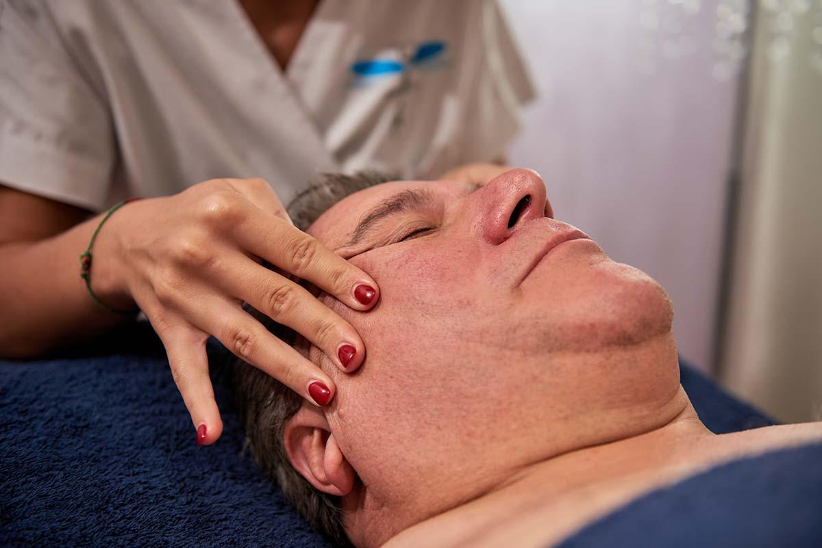massaggio-lifting-viso